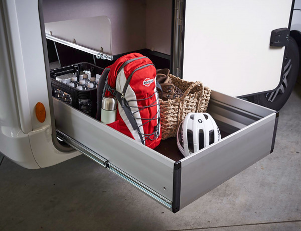 Pull-out luggage box